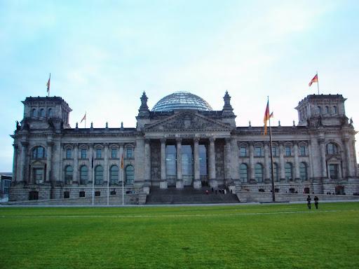 ベルリンの見所を13時間で観光。...