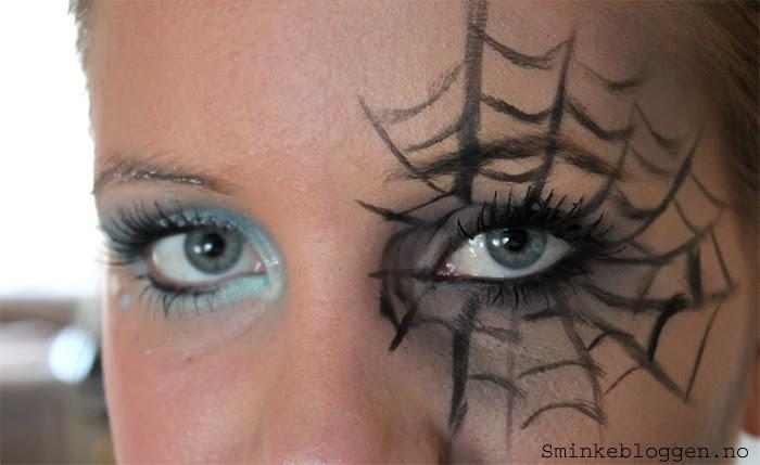 Halloween sminke med spindelvev