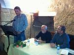 Lectura en Cuenca. Lee Pablo Ibáñez. En la mesa, Julio G. Alonso y JJM Ferreiro