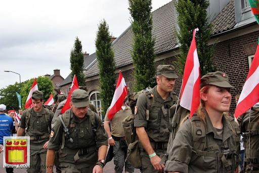 Vierdaagse van Nijmegen door Cuijk 20-07-2012 (26).JPG