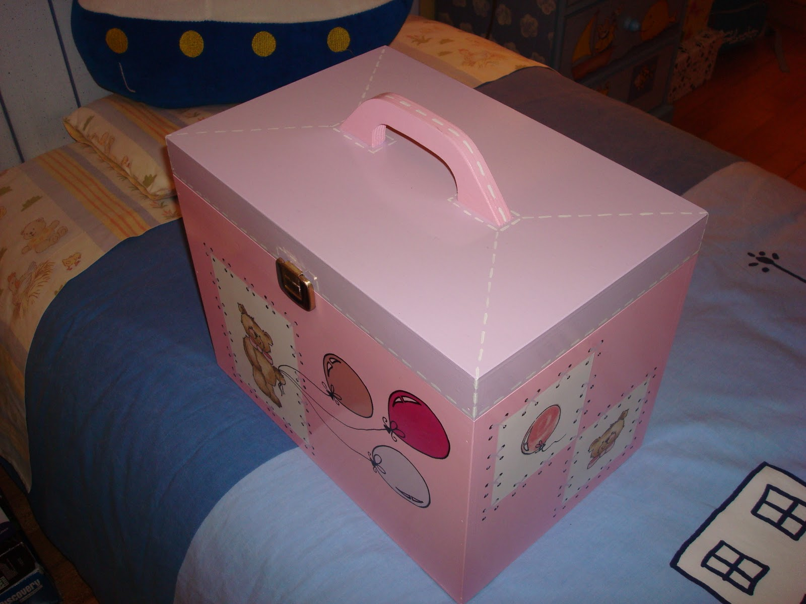 caixa de medicamentos ou necessaire caixa de madeira tintas acrilicas  #6C4035 1600x1200