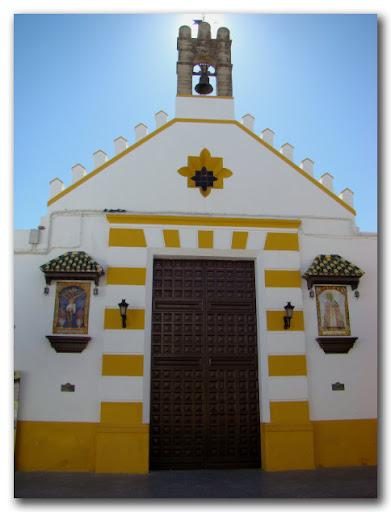 Fachada de la Capilla de Vera-Cruz y San Sebastián.