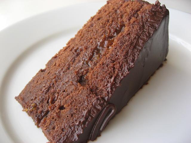 Torta Sacher de chocolate con damasco