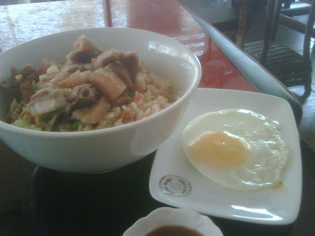 2011-05-07 Kopi Rice w/ Lecho Kawali Toppings