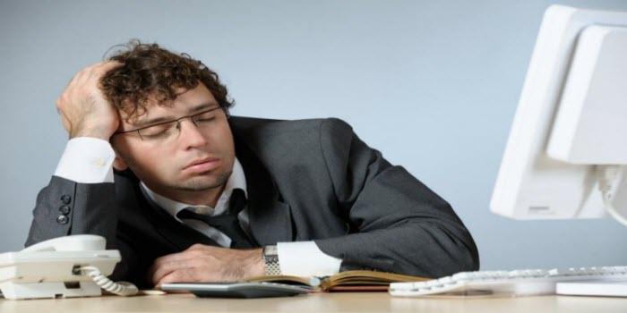 El aburrimiento y la rutina en el empleo es una de las causas de la renuncia laboral