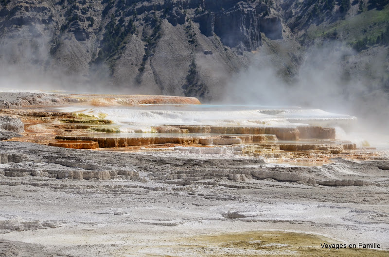 yellowstone mammoth hot springs