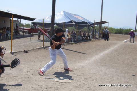 Carlos González de Ponchados en el softbol del Club Sertoma