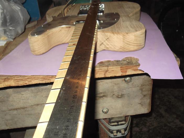 Construção guitarra telecaster, meu 1º projeto bolt on. Finalizado e com vídeo - Página 2 DSCF0897
