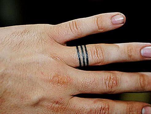 30 Glamorous Wedding Ring Tattoos   SloDive