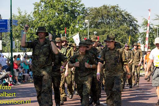 vierdaagse door cuijk 18-7-2014 (5).jpg