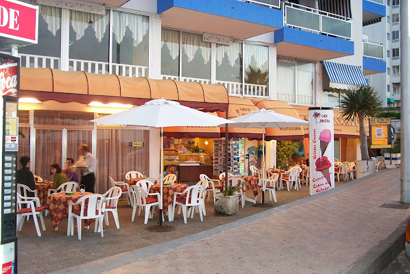Cafe Palmelita, Avenida Gran Poder 1, Edificio Picinas, 38250 Bajamar, Santa Cruz de Tenerife, Spain