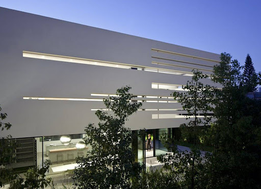 Privet home in Ramat Gan, Israel design by Pitsou Kedem