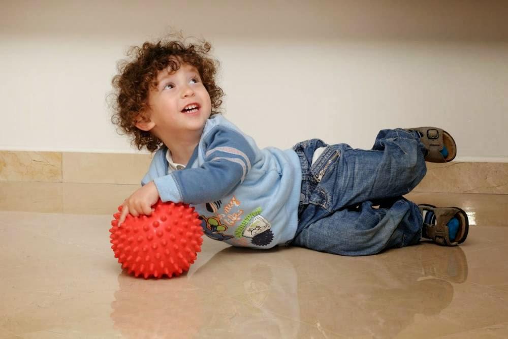 Тамир с мячом