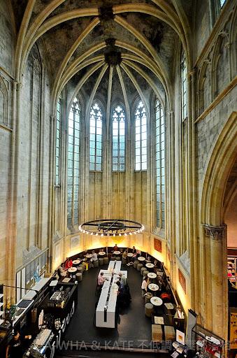 【小布妹愛旅行】全世界最美書店之一荷蘭馬斯垂克Dominicanen 教堂書店