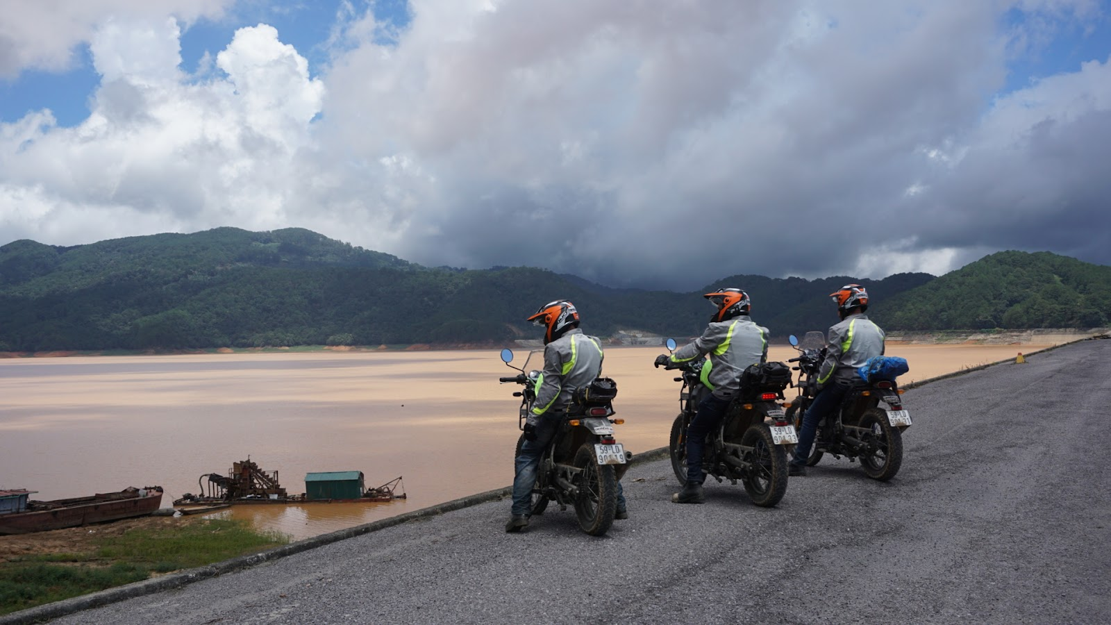 Riders on a stop over at Mui Ne