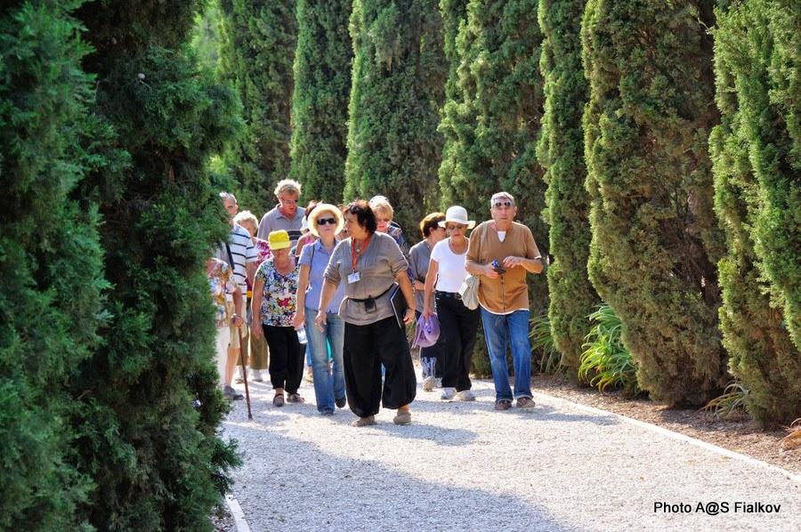 Бахайский сад в Акко. Экскурсия по Западной Галилее. Гид в Израиле Светлана Фиалкова.