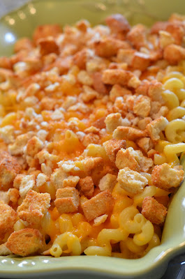 Baked Macaroni and Cheese {peasandcues}