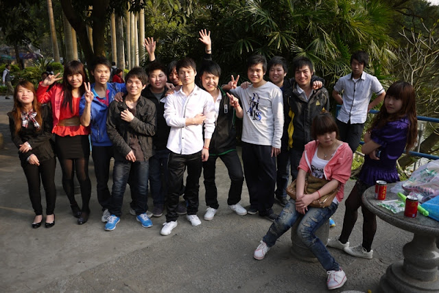 Large group at Jingshan Park in Zhuhai