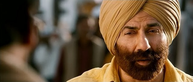 Screen Shot Of Hindi Movie Singh Saab The Great (2013) Download And Watch Online Free at Alldownloads4u.Com