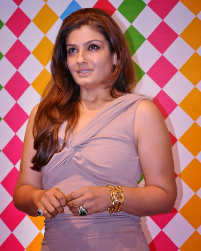 Raveena-Tandon-Hot-Bikini-Wallpapers