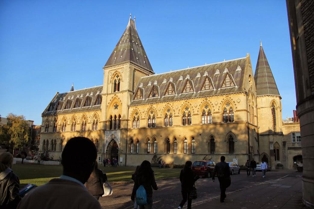 2011年10月 子連れ英国紀行(その17:7日目 オックスフォード自然史博物館満喫〜空港ホテルへ)