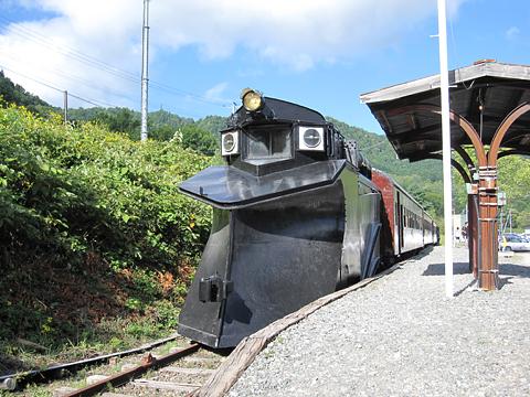 三菱南大夕張鉄道 旧南大夕張駅跡保存車両(ラッセル車&客車)