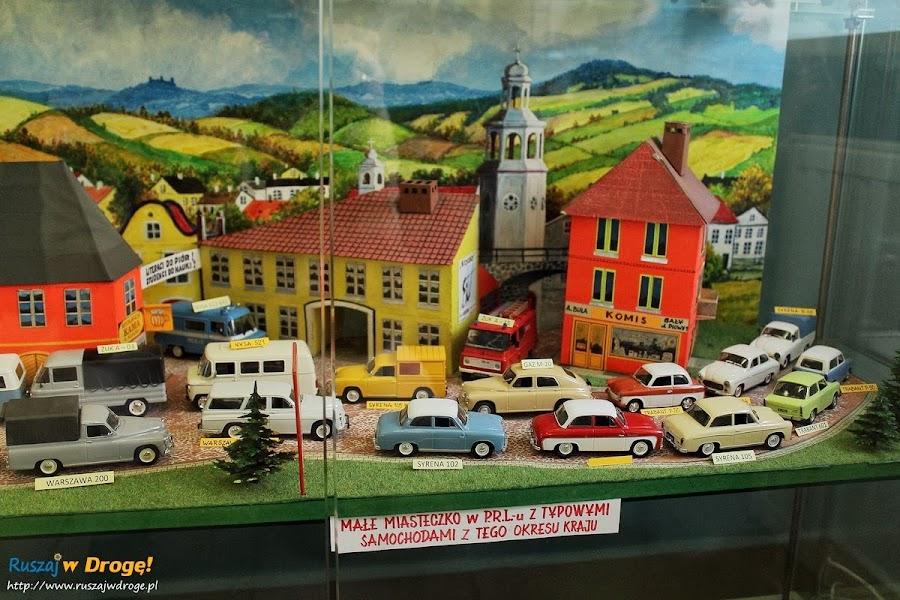 Kielce Muzeum Zabawek i Zabawy - kolekcja samochodów z PRL