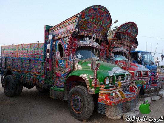شاحنات باكستانية مزخرفة 2.jpg