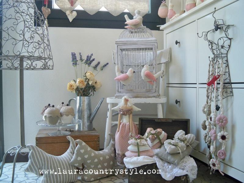 Laura country style vetrina di primavera by laura country style - Idee per vetrine primaverili ...