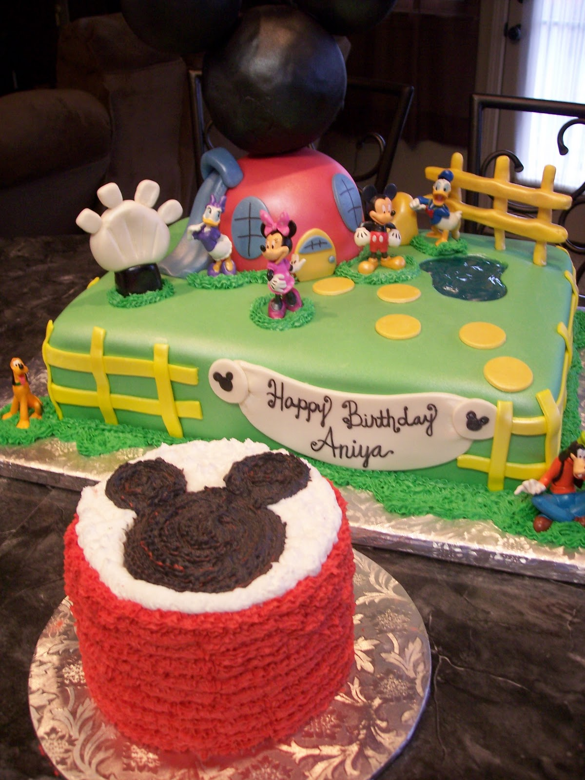 Mickey Mouse Clubhouse With Smash Cake