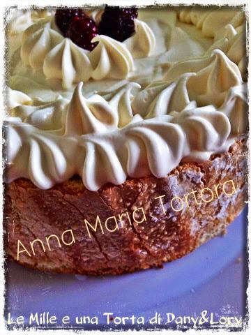 torta charlotte ai gelsi e crema chantilly