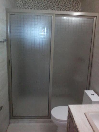 Perfiles De Aluminio Para Puertas De Baño:Puertas, ventanas de aluminio: CANCEL PARA BAÑO CHAMPANGE