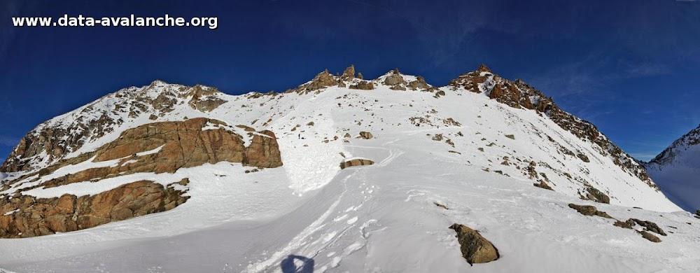 Avalanche Grand Paradis, secteur Mont Emilius, 50 m sous le col des trois Capucini - Photo 1