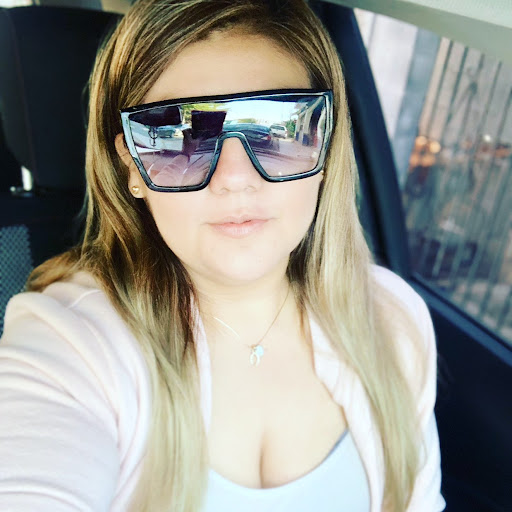 Karla Velazquez Photo 15