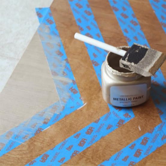 Pintar com tinta acrílica metálica