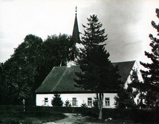 Župna kuća sa crkvom 1975.g