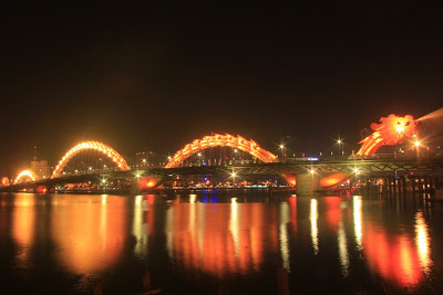 danang-beach-hotel-dragon-bridge