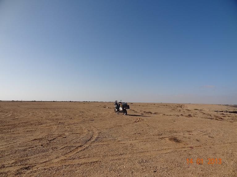 Marrocos e Mauritãnia a Queimar Pneu e Gasolina - Página 5 DSC05801