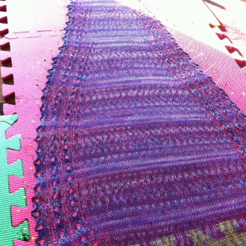 Blocking the shawlette