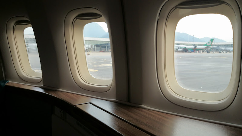 DSC 2883 - REVIEW - Cathay Pacific : First Class - Hong Kong to Tokyo (B747)