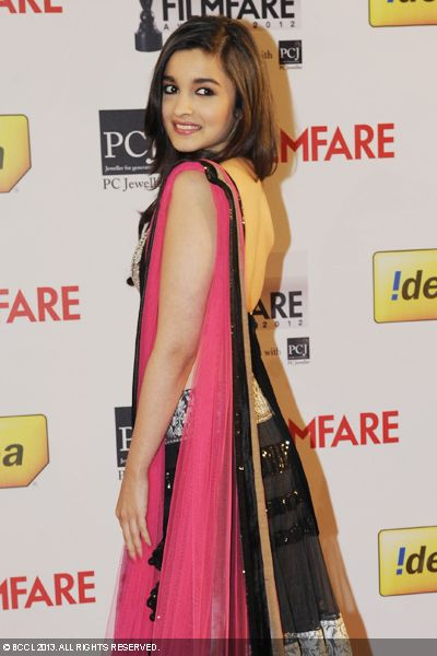 The sexy Alia Bhatt poses for the cameras during the 58th Idea Filmfare Awards, held in Mumbai.Click here for:<br />  58th Idea Filmfare Awards
