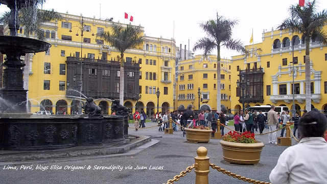 Plaza Mayor, Convento de San Francisco, Lima, Perú, Elisa N, Blog de Viajes, Lifestyle, Travel