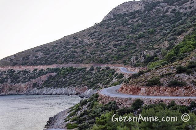Datça, Palamutbükü'nden Ovebükü'ne giden sahil yolu