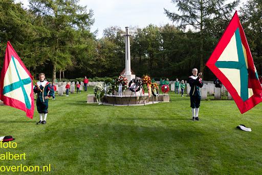 herdenkingsdienst  en een stille tocht naar het Engelse kerkhof 12-10-2014 (81).jpg