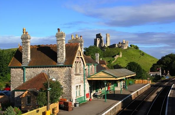 The Corfe Castle railway station and the ruins of the castle