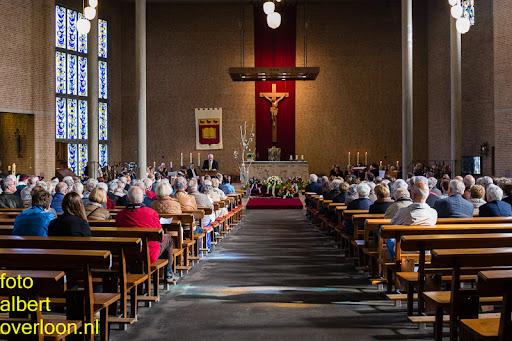 herdenkingsdienst  en een stille tocht naar het Engelse kerkhof 12-10-2014 (42).jpg