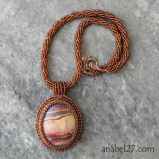 Кулон с яшмой вышивка бисером Anabel