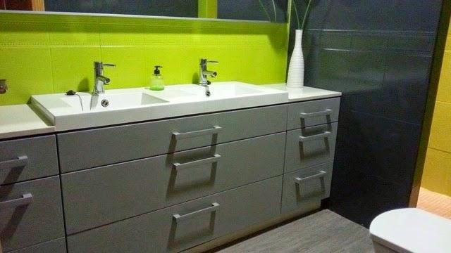 Baño Pintado De Amarillo:Baño pintado con gris francés de Autentico chalk Paint