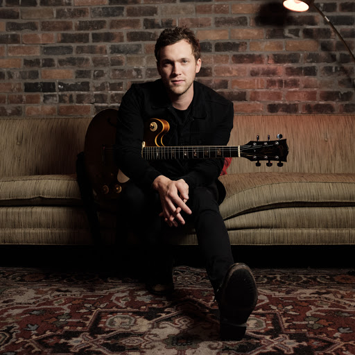 Phillip Phillips earned a  million dollar salary, leaving the net worth at 4 million in 2017