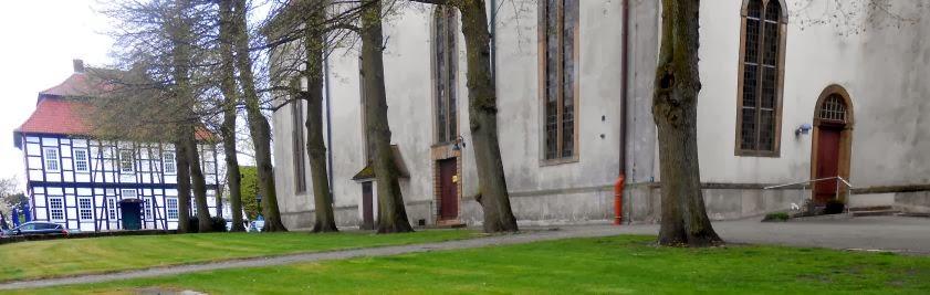 Hohes Haus mit Kirche, Lienen, Münsterland